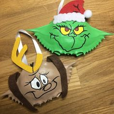 Excited to share this item from my shop: Set OF TWO - Dr. Seuss's The Grinch - Max the Dog (II) - Hand Painted Crab Shell - crabshell ornament - keepsake ornament - Christmas Gift Seashell Ornaments, Seashell Art, Painted Ornaments, Dog Ornaments, Seashell Crafts, How To Make Ornaments, Christmas Tree Ornaments, Grinch Christmas Decorations, Christmas Ideas