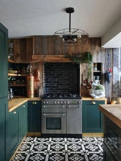 Green kitchen - Living - Home Sweet Home Living Room Kitchen, Home Decor Kitchen, Diy Kitchen, Dining Room, Kitchen Cabinets, Country Kitchen, Rustic Kitchen, Kitchen Decorations, Studio Kitchen