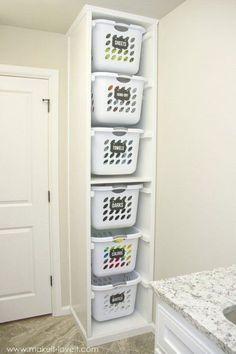 Cualquier rincón puede aprovecharse para almacenaje de colada o productos en cestos. #laundry #lavanderia #colada #steam