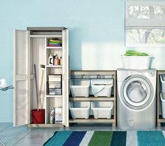 Chi ha detto che la #lavanderia è una stanza da tenere nascosta?   #laundry #bathroom #cabinet #shelves #armadio #ripiani #madeinitaly