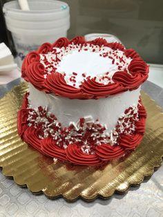 New Cake Decorating Buttercream Birthday Icing Recipe Ideas Christmas Cake Designs, Christmas Cake Decorations, Holiday Cakes, Christmas Cakes, Christmas Birthday, Birthday Cake Decorating, Cake Decorating Tips, Birthday Cake With Flowers, Cake Birthday