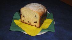 Suroviny dáme do pekárny - začneme mlékem, pak už na pořadí nezáleží. Žloutek vidličkou mírně rozšleháme a Heru předem rozpustíme na plotně.… Bread, Food, Brot, Essen, Baking, Meals, Breads, Buns, Yemek