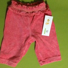 Pantalón rosa con diseño en la cintura. Marca Gymboree de 0-3 meses. Q15.00