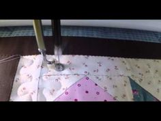 Acolchando el gusanito - YouTube Colchas Quilting, Free Motion Quilting, Machine Quilting, Applique, Patches, Youtube, Quilts, Tutorials, Cross Stitch Embroidery