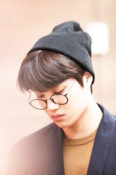 Cre: the owner/as logo Baekhyun Chanyeol, Exo Kai, Park Chanyeol, Exo Ot12, Kaisoo, Kris Wu, Chen, Exo Lockscreen, Kim Minseok