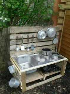Kids outdoor play kitchen