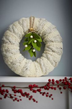 How to make a knitted wreath. I really like this.