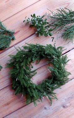 DIY Christmas wreath - No Home Without You blog (3 of 12) Christmas Diy, Christmas Wreaths, Without You, Diy And Crafts, Flora, Holiday Decor, Home, Design, Crafting