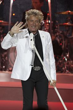 Rod Stewart performs at the O2 Arena, London, 4th June 2013 photo © John Rahim,  please do not reproduce without permission www.musicpics.co.uk  #rodstewart