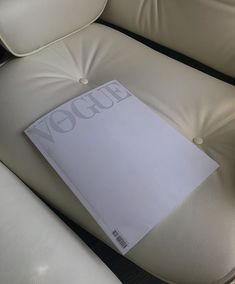 Aesthetic Photo, Aesthetic Pictures, Book Aesthetic, Cream Aesthetic, Just Dream, Dream Life, Mood Boards, Vogue, Colours