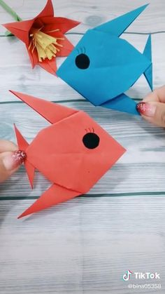 Origami Fish Easy, Easy Origami Animals, Origami Easy Step By Step, Paper Crafts Origami, Paper Crafts For Kids, Origami Art, Animal Crafts For Kids, Art For Kids, Origami Shapes