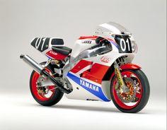 Yamaha FZR750R