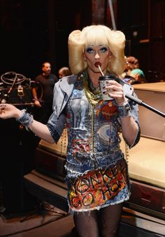 Tony winner Neil Patrick Harris of HEDWIG on Broadway pauses for a drink backstage at the Tony Awards on June Theatre Geek, Broadway Theatre, Musical Theatre, Hedwig Costume, Ella Enchanted, Neil Patrick Harris, Celebrity Gossip, Celebrity Babies, Actors & Actresses