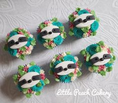 Floral Sloth Cupcakes – Little Peach Cakery Birthday Cupcakes, Birthday Parties, 8th Birthday, Sloth Cakes, Party Fiesta, Animal Cupcakes, Little Peach, Baby Sloth, Buttercream Flowers