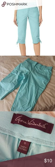 Gloria Vanderbilt Lillie Skimmer Capri Pants Cute aqua color. New without tags. I took the tags off and changed my mind. I only wear long pants Gloria Vanderbilt Pants Capris