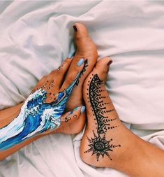 art, henna, and painting image Leg Painting, Painting & Drawing, Body Painting Girls, Ocean Wave Painting, Belly Painting, Wave Art, Planet Tattoo, Tattoo Diy, Tattoo Ideas