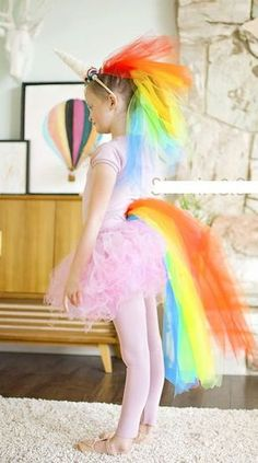 Für alle Fans: tolles Regenbogen-Einhorn für Tutorial: Rainbow unicorn Halloween costume If your child asked you to make a rainbow unicorn Halloween costume, would you be up fro the challenge? Shauna from Shwin & Shwin was, and this is the fabul Unicorn Halloween Costume, Hallowen Costume, Diy Girls Halloween Costumes, Unicorn Costume For Kids, Costume Ideas, Kids Costumes Girls, Costume For Girls, Easy Diy Costumes, Kid Costumes