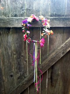 How to Make a Flower Crown! Perfect for dressing as a princess or fairy at the Renn Fest! ^_^