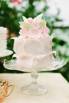 Beautiful Cake Pictures: Pretty Pale Pink Floral Petals Cake: Cakes with Flowers, Wedding Cakes