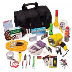 A urban survival kit for the urban people travelling to and fro to the city by public transport. To prepare yourself for any emergency situation or an attack. Emergency Preparedness Kit, Emergency Preparation, Emergency Supplies, Survival Prepping, Survival Gear, Survival Supplies, Survival Backpack, Survival Hacks, Homestead Survival