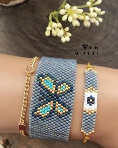 How to Make Beaded Bracelets in The Comfort of Your Homes? Beaded Jewelry Patterns, Bead Loom Patterns, Bracelet Patterns, Beading Patterns, Beaded Crafts, Jewelry Crafts, Handmade Jewelry, Seed Bead Bracelets, Seed Bead Jewelry