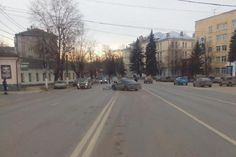 ГИБДД-ДПС.РФ : Тверской велосипедист нарушил ПДД и попал под автомобиль   В Твери 56-летний мужчина на велосипеде нарушил правила движения, в результате его сбил автомобиль. Авария произошла вечером 5 апреля на улице Софьи Перовской в областном центре. По данны�