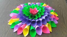 Flor con conos de papel - Dale Detalles Caballo Spirit, Fine Paper, Crafts To Make, Decorated Boxes, Paper Flowers, Crocheting