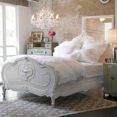 tapisserie kitch et les meubles gustaviens pour la chambre a coucher baroque