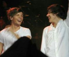 louis and harry Larry Stylinson, One Direction Pictures, I Love One Direction, Great Love Stories, Love Story, Larry Shippers, Music Theater, Louis And Harry, Harry Edward Styles