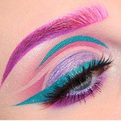 Secret Tricks Uses Colorful Eyeshadow 28 is part of eye-makeup - Visit the post for Makeup Eye Looks, Eye Makeup Art, Colorful Eye Makeup, Crazy Makeup, Cute Makeup, Colorful Eyeshadow, Pretty Makeup, Makeup Inspo, Eyeshadow Makeup