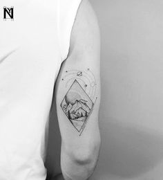 Landscape and planets tattoo inked on the right triceps Cage Tattoos, Belly Tattoos, Foot Tattoos, Forearm Tattoos, Finger Tattoos, Romantic Couples Tattoos, Planet Tattoos, Best Friend Tattoos, Lion Tattoo