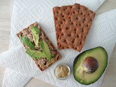 Spicy Tuna Avacado Crackers! Great Snack Idea!