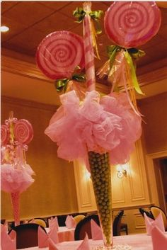 "love this for a candy or ""sweet 16"" party, with candy theme.  so pretty"