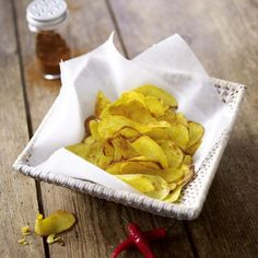 Selbstgemachte Kartoffel-Chips Rezept | LECKER