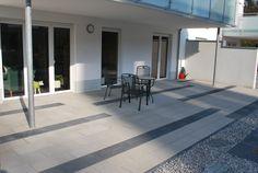 Erleben Sie mit Café XL die Großzügigkeit einer eleganten Terrasse, die Gleichmäßigkeit eines einladenden Zugang zum Haus. Die dezenten, warmen Farben der Steine wirken harmonisch und beruhigend, die zwei XL Formate garantieren eine großzügige Optik.
