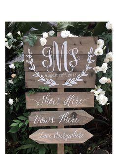 Panneau directionnel, ans bois, monogramme mariage pour un mariage de plage