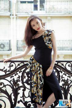 Street shots of Ni Ni at fashion event | China Entertainment News