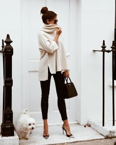 Cozy & Casual Office Outfits For Winter 38 - Fashion Moda 2019 Looks Chic, Looks Style, Fashion Mode, Work Fashion, Fashion Black, Classic Womens Fashion, Retro Fashion, Fashion Basics, Ladies Fashion