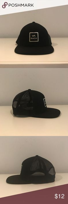 RVCA ALL THE WAY TRUCKER HAT Adjustable snap back closure. PRE-LOVED. RVCA Accessories Hats