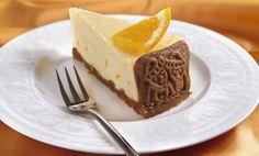 Zutaten    250 g Gewürzspekulatius  50 g flüssige Butter  + Butter für die Form  1 kg Schichtkäse  3 Eier (M)  150 g Zucker  1 Bio...