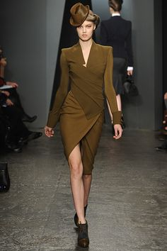 the Donna Karan Fall 2012 RTW show. See photos and get The Cut's perspective on the Donna Karan RTW collection Fashion Week, New York Fashion, Love Fashion, Runway Fashion, Fashion Show, Autumn Fashion, Fashion Outfits, Womens Fashion, Fashion Design
