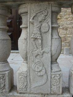 Particolare della balaustra della chiesa di San Michele Arcangelo - Campolieto (Cb) (sec.XVII)