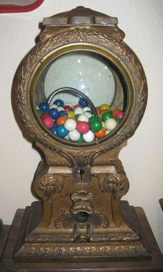 Maquire Deluxe Vending Machine Co. Marble Gumball Machine Antique Old Ornate Vintage Candy, Vintage Love, Retro Vintage, Funny Vintage, Antique Stores, Antique Items, Vintage Items, Vintage Tools, Juke Box