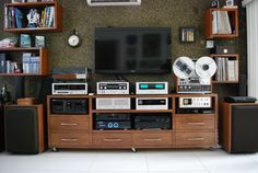 Vintage stereo set up