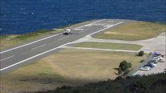 AEROPORTO di SABA.  Possiede una pista di atterraggio lunga solo 400 metri (è la più corta del mondo), per di più collocata su uno strapiombo che dà direttamente sul mare. Chi vuole atterrare ha un bel coraggio.