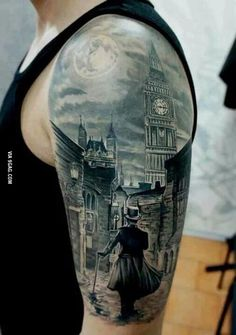 An amazingly realistic tattoo of London by night!