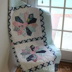 Enchanted Baby Quilt using the Chunky Dresden Plate Tutorial @ The Crafty Quilte… – Dresden Plate quilts – Tipps Quilting Tips, Quilting Tutorials, Quilting Designs, Sewing Tutorials, Dresden Quilt, Dresden Plate Patterns, Quilt Patterns, Sewing Patterns, Block Patterns