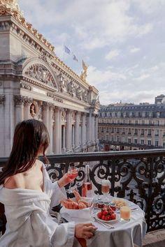 hotel paris Intercontinental Paris Le Grand - The Best Views of Palais Garnier City Aesthetic, Travel Aesthetic, Hotel Des Invalides, Hotel Secrets, Beste Hotels, Great Hotel, Best View Hotel, Paris Travel, Dream Vacations