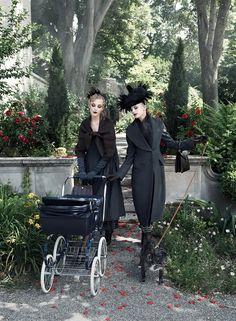 NOIR Fachada - O lugar para editoriais de moda. - Paris, je t'aime | Coco, Agyness, Sasha, Caroline por Steven Meisel para a Vogue US set 2007
