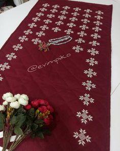 Prayer Rug, Bargello, Diy And Crafts, Cross Stitch, Prayers, Knitting, Holiday Decor, Crochet, Rugs